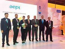 Representantes del Ayuntamiento de Madrid y de AEPT con los premiados