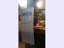 Bandera de la AEPT en la recepción del restaurante